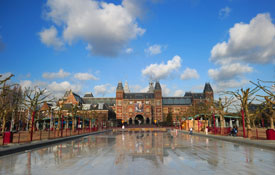 Best Hotels in Amsterdam: Museum Touring